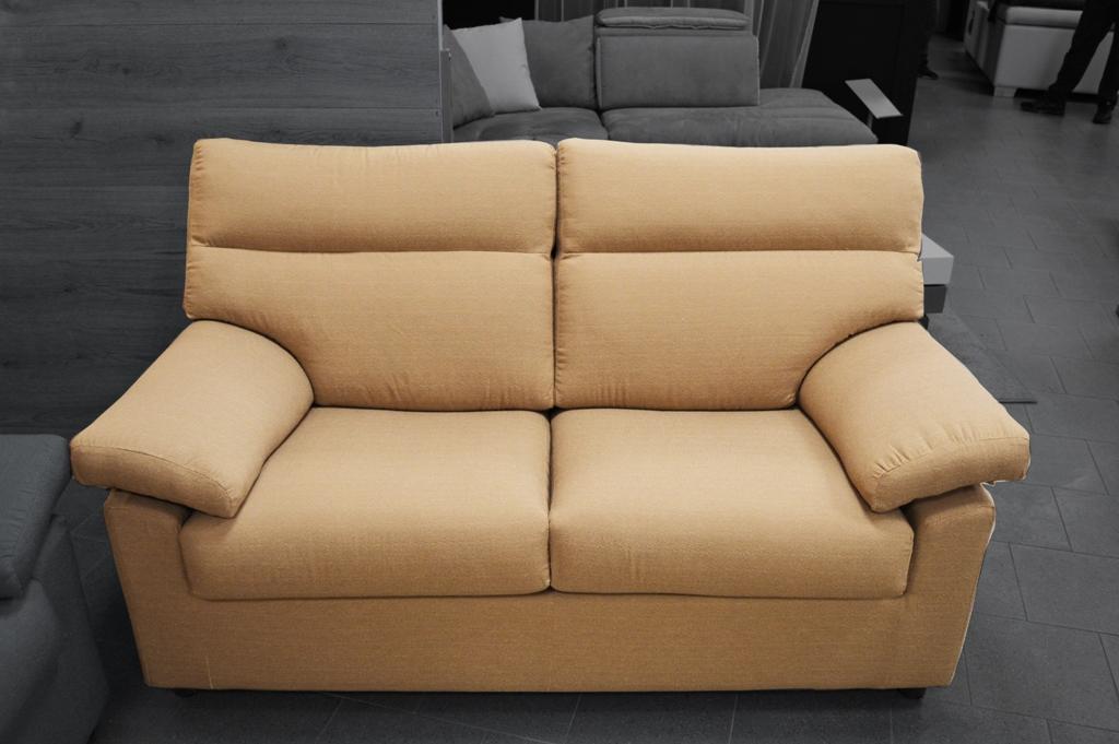 Composizione divani in offerta raphael centrodivani for Divano raphael