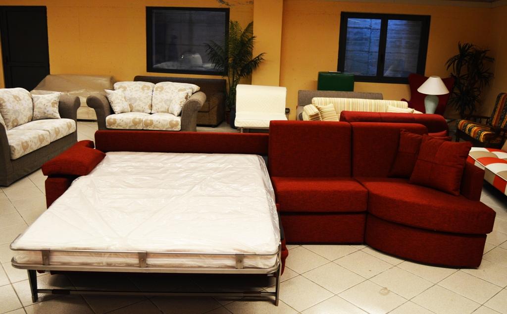 Ritiro divani usati offerte divani con ritiro usato ikea for Divani antichi usati