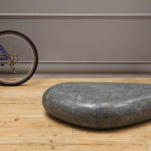 tavolino in pietra fossile grigio