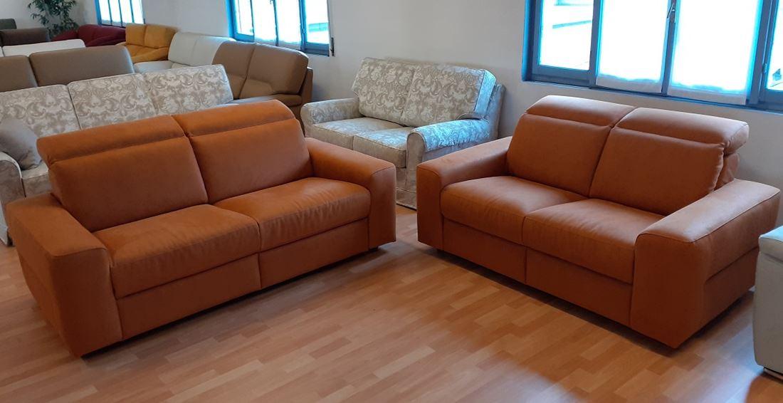 divano moderno 3 posti    2 posti